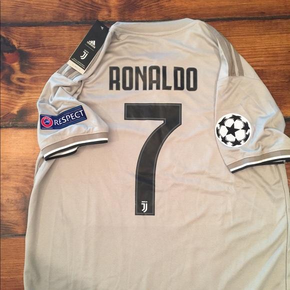 the latest 71280 f7117 Ronaldo CR7 Jersey Juventus Grey Champions league NWT